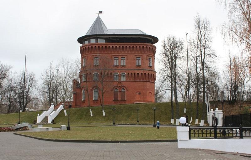 Приобрели глубинный насос для водонапорной башни и восстановили башню